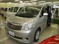 ノアyy 4WD オリジナル車中泊仕様175万円